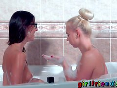 Girlfriends Underwater camera shoots shaved pussy pleasuring lesbians