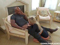 Teenie Madelyn Monroe loves black dick