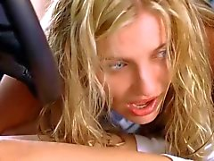 Cameron Diaz & Christina Applegate - The Sweetest Thing