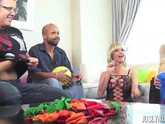 Balloon Fetish with Joslyn James