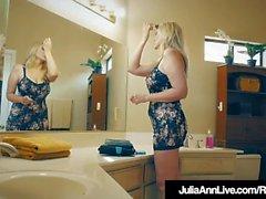 Horny Foreign Newbie Mouth & Pussy Fucks Mega Milf Julia Ann