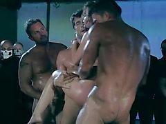 Säädytön - XXX täyspitkä musiikkivideo ( karhea ryhmäseksistä )