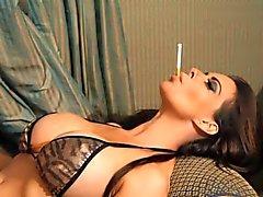 Linsey Alba Feticisti piedi di fumare
