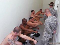 Armeijaa miesten nykiminen pois homo- Yes sulkeiskersantilta !