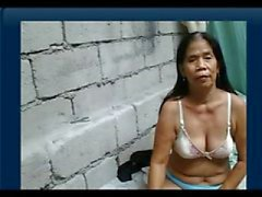 55yr oude Filipina Granny krijgt naakt op cam