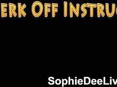 Bello britannico delle pornostar Sophie di Dee masturbarsi istruzioni