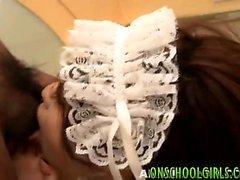 ancella Asian ottiene figa pelosa bang dal suo capo