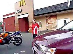 Sukupuoli bei McDonalds : Einmal das Fickmenu bitte