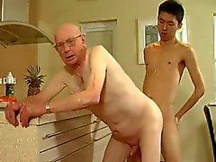 Opa en jonge man