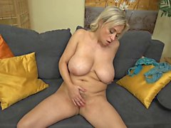 (2) 40s Mature and juicy big tits