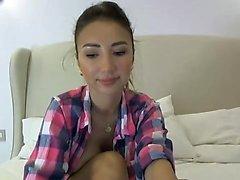 adolescente kinkyakemimoon piscando mamas na webcam ao vivo