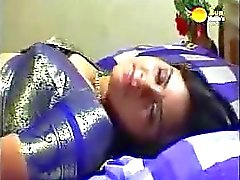 Classic Indian Mallu film Midnight Rose aunty som fattats av spöke