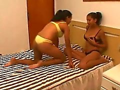 Süt Duygusallık - emziren Brezilya lesbians