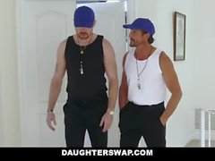 DaughterSwap - Chicas de tenis cachondas montan stepdads Cock
