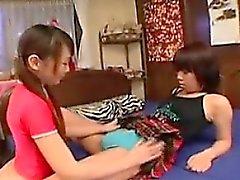 Lesbiche in trio orientali sweet scoprire loro fantasia con il Stra
