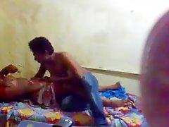 Bengali Réservé Gf Boob sucer et lécher la chatte