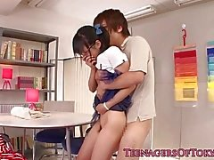 Japon genç kız Cocksucking bf dick