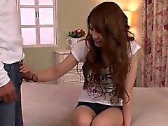 Rikan Aiba hämmästyttää hänen tiukka pillua sekä aasin