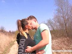 czech babe naomi bennet loves outdoor sex