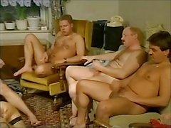 Gruppensex mit Manneruberschuss - Part 2