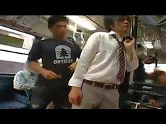 Sexe gay en autobus au Japon