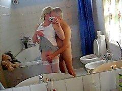 Jeannet и Дворецкий в ванной забавы