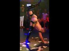 Suki Lee - alasti tanssijan - kokoaminen