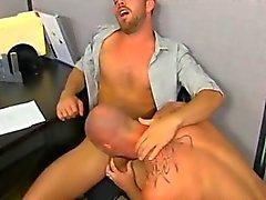 Arriba muscular Mitch de Vaughn cierra de golpe en Parkers culo