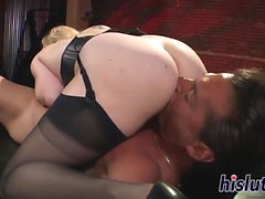 Kinky blonde hottie has her pussy nailed