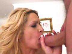 Milf Alyssa Lynn humalaa Dick