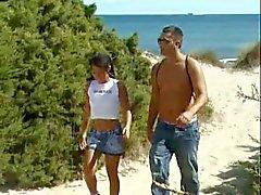garvade teen på stranden