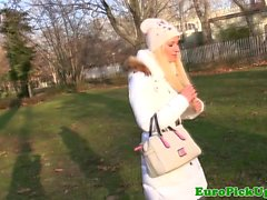 Outdoor euro pickedup in park and fucked