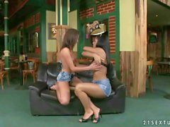 Kyra Black loves Lauren May