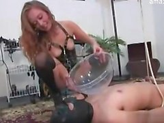 Glamour girl squirting