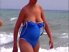 candid beach compilation 2