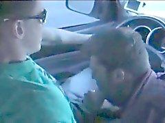Suihin autossa