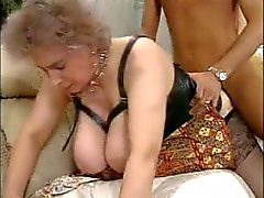Enorma bröst Sexig gamla mogna