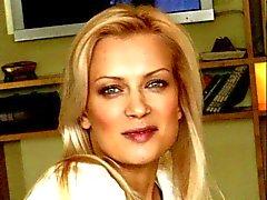 Des pieds de Olesya Sudzilovskaya