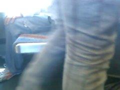 le bus branle un jean