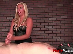 Blondin dominans massage-