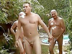 Kolme kaverit vitun ja kusta seksikäs tyttö
