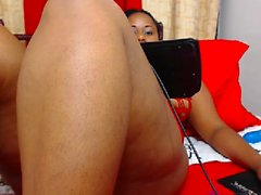 Adorable chocolate plumper shows off her tight snatch on the webcam