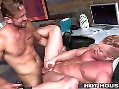 HotHouse Cocksucking Teslim Hunk Fucked alır