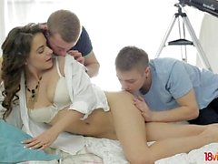Teeny learns about 3some sex