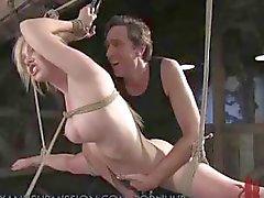 Sammanställning skott av hårt och tungt BDSM bondage och tortyr åtgärder