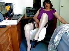 Masturbating in new bi color nylons