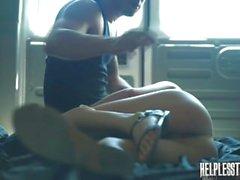 Renée roulett varar med glädje Våldtäkts & fritid linan fångenskap för en åktur