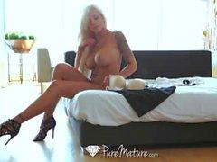 Lucky dude fucking sexy mature Nina Elle
