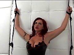 Kuumia redhead nahkaa sekä terhakka tissit gets kumarsi by dildo