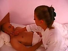 Sjuksköterska ryska och franska kille .